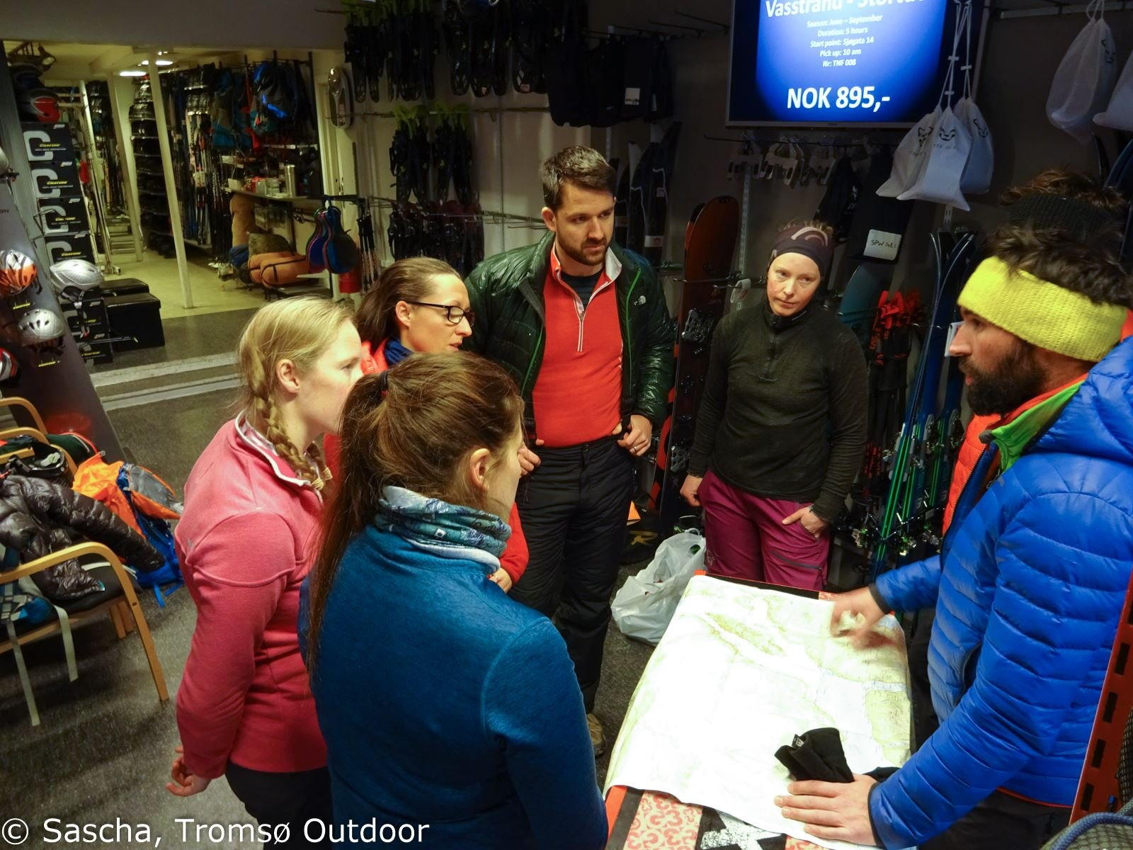 006. Introduction to ski touring – guided trip for alpine skiers