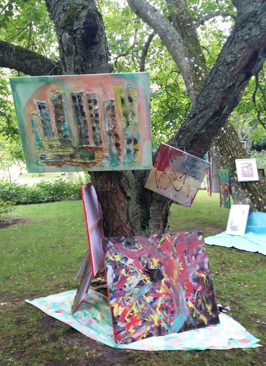 Tavlor i träden
