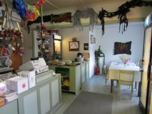 Vuolenkoski village   PeuranKello cafe and shop