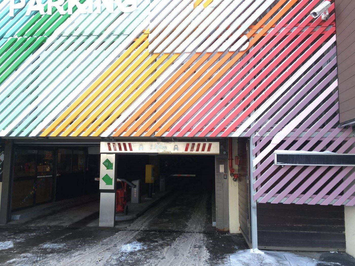 COVERED PARKING SPACE P2 (maximum height 2m14)