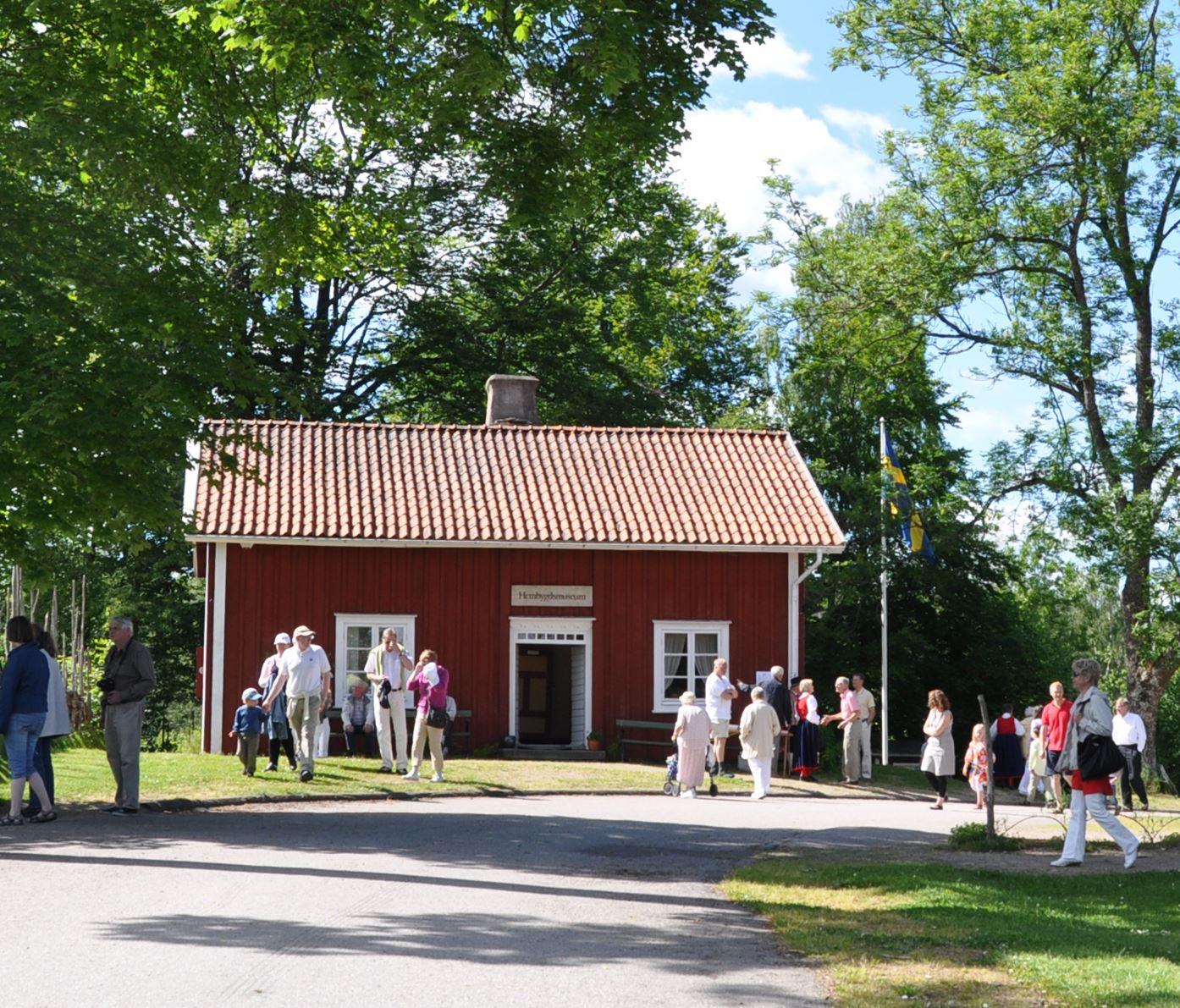 Guidning i hembygdsmuséet i Linnés Råshult