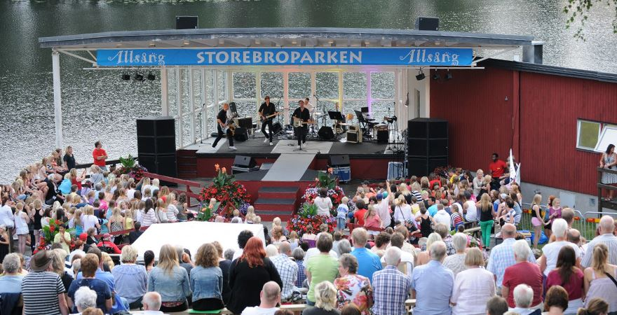 Sara Green,  © http://www.allsangistorebroparken.se, Allsång i Storebroparken