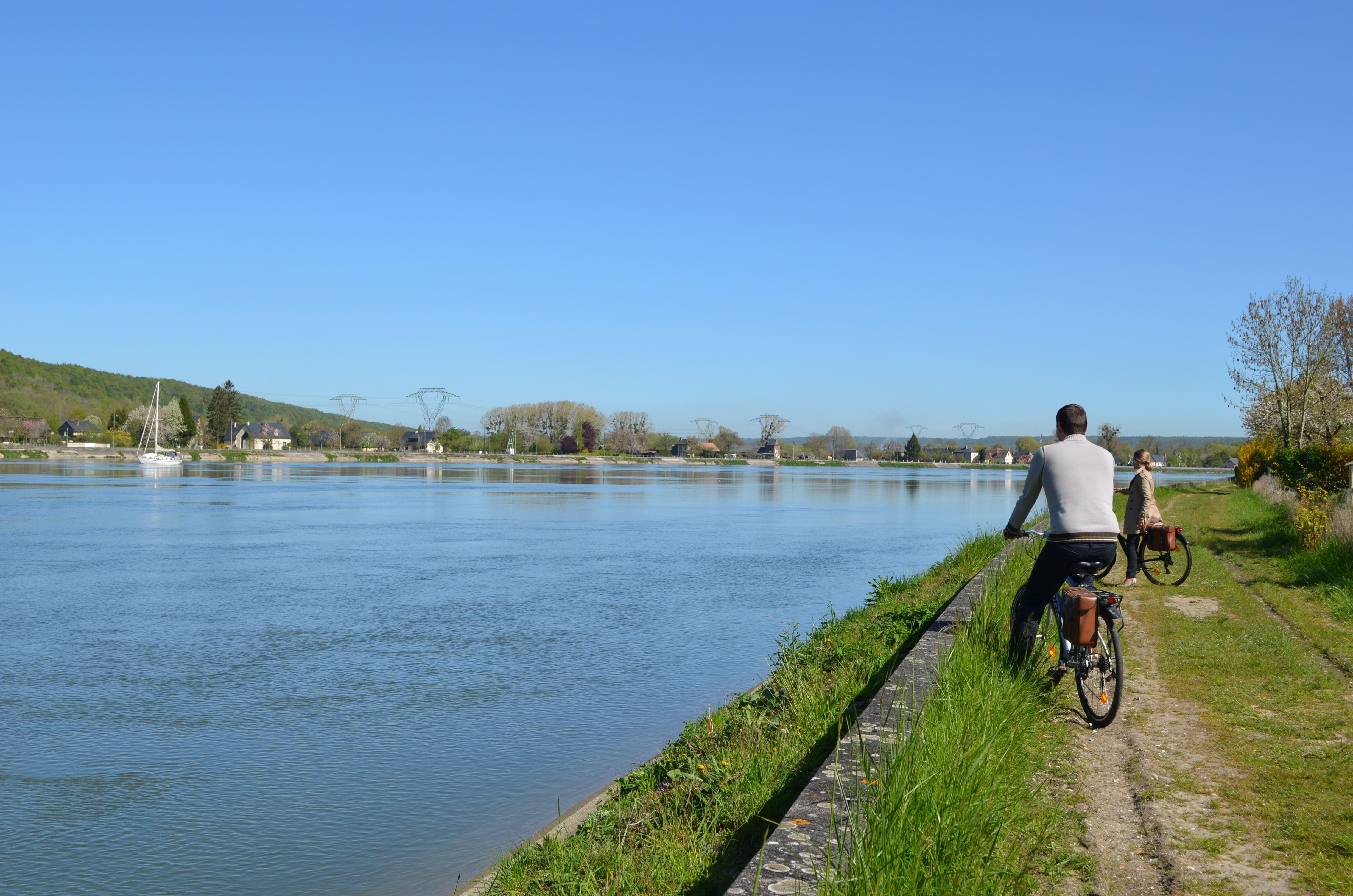A bicyclette, la boucle de Jumièges (visite guidée à vélo)