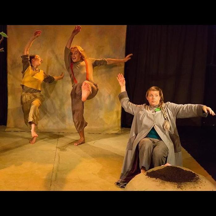 Martin Skoog,  © Teater Tre, Barnteater - Frö - Teater Tre