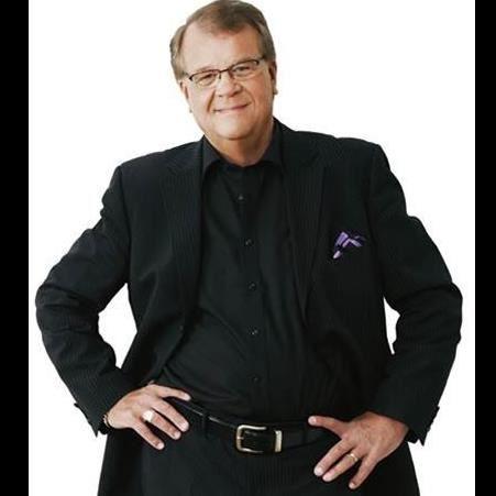 Allsång på Tynderö med Gästartisten Lasse Berghagen