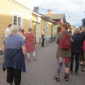 Stadsvandring i Östanfors med Daniels Sven Olsson