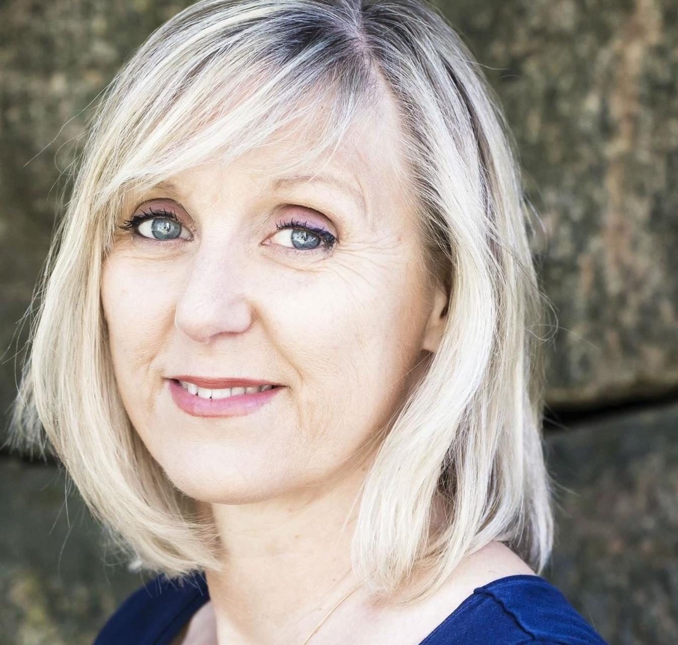 Emelie Asplund, BLÄCK författarscen: Marie Hermanson