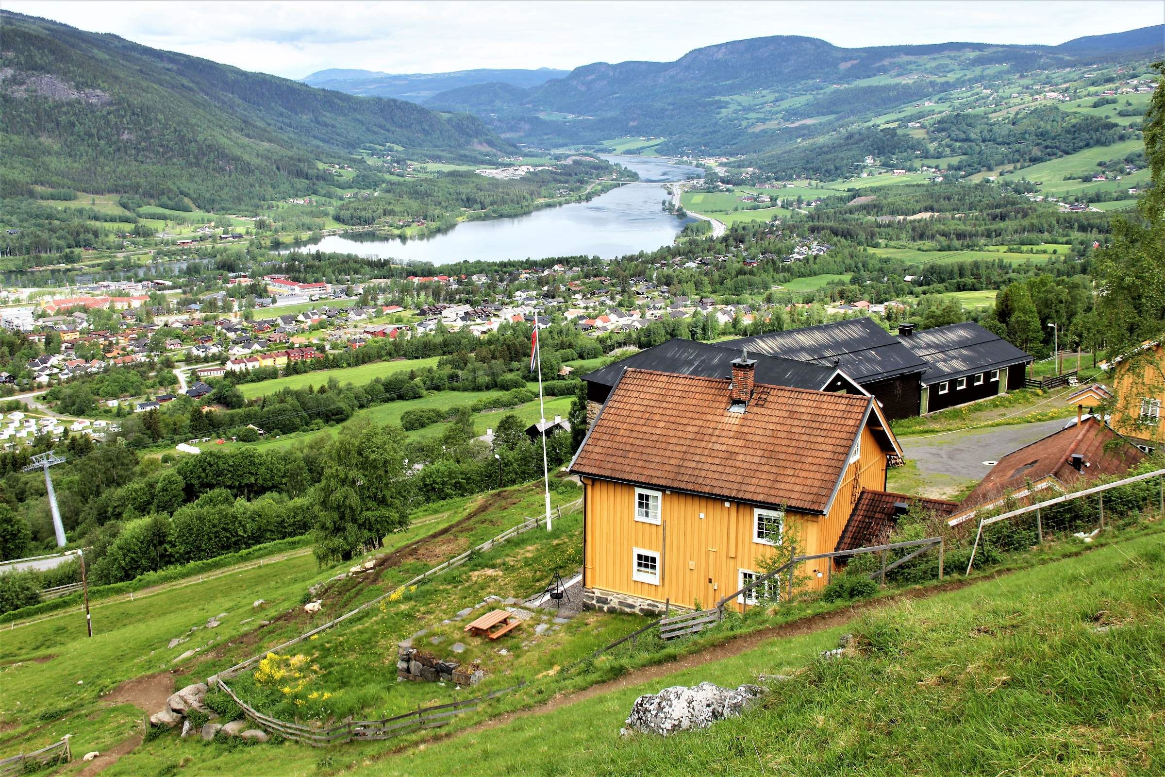 Hiking in Lillehammer mountains