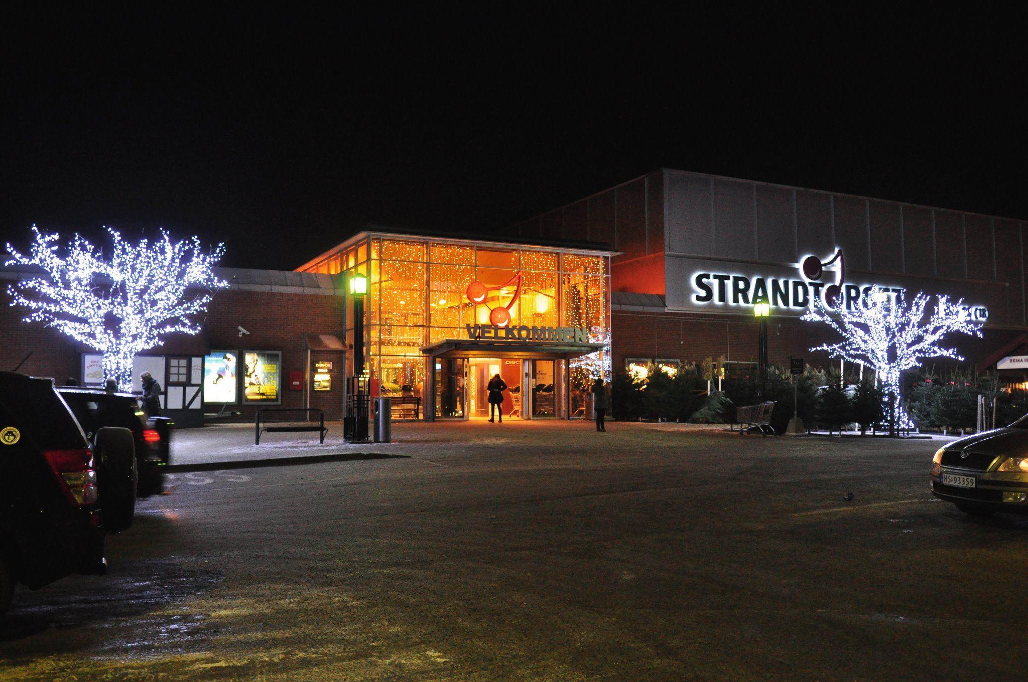 Strandtorget shopping center
