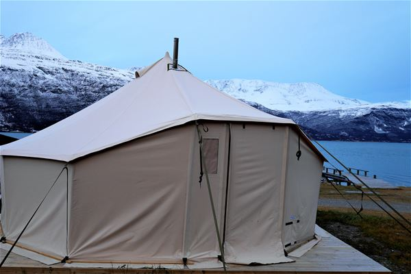 Spacious and comfortable tent for 5 persons - LyngenTourist