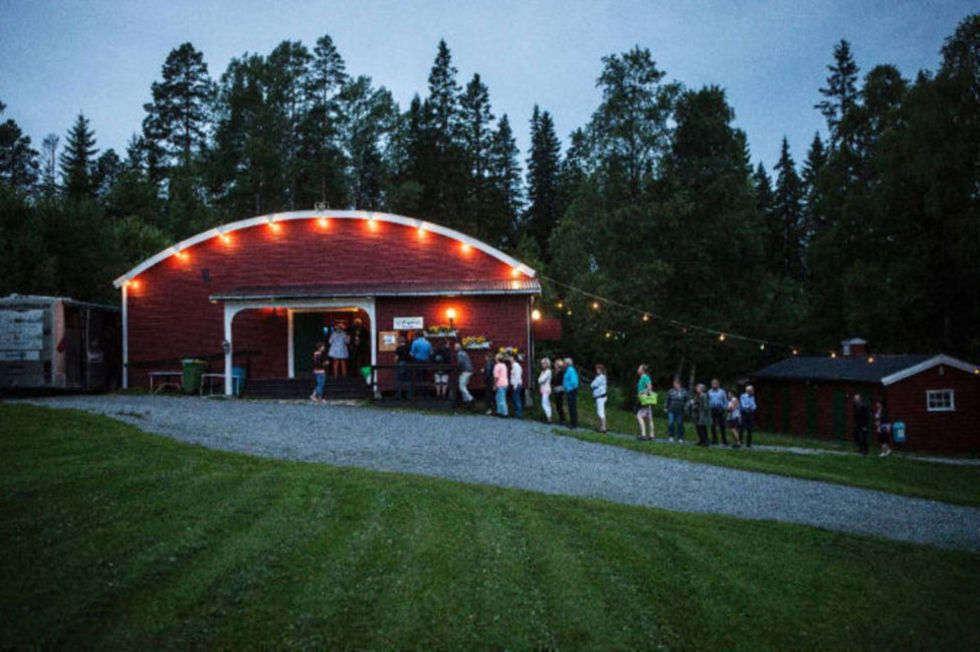 © Sommarparadiset Sandviken, Dance to Streaplers at Sandviken