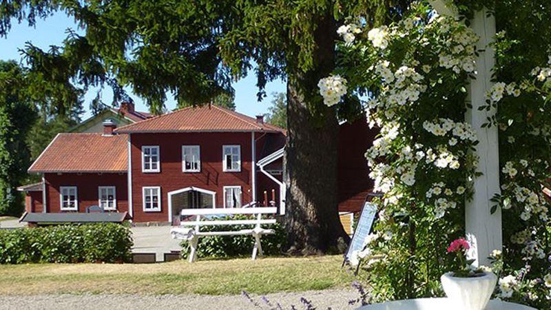 © Järnvägsmuseet, Stenegård med blommande trädgård