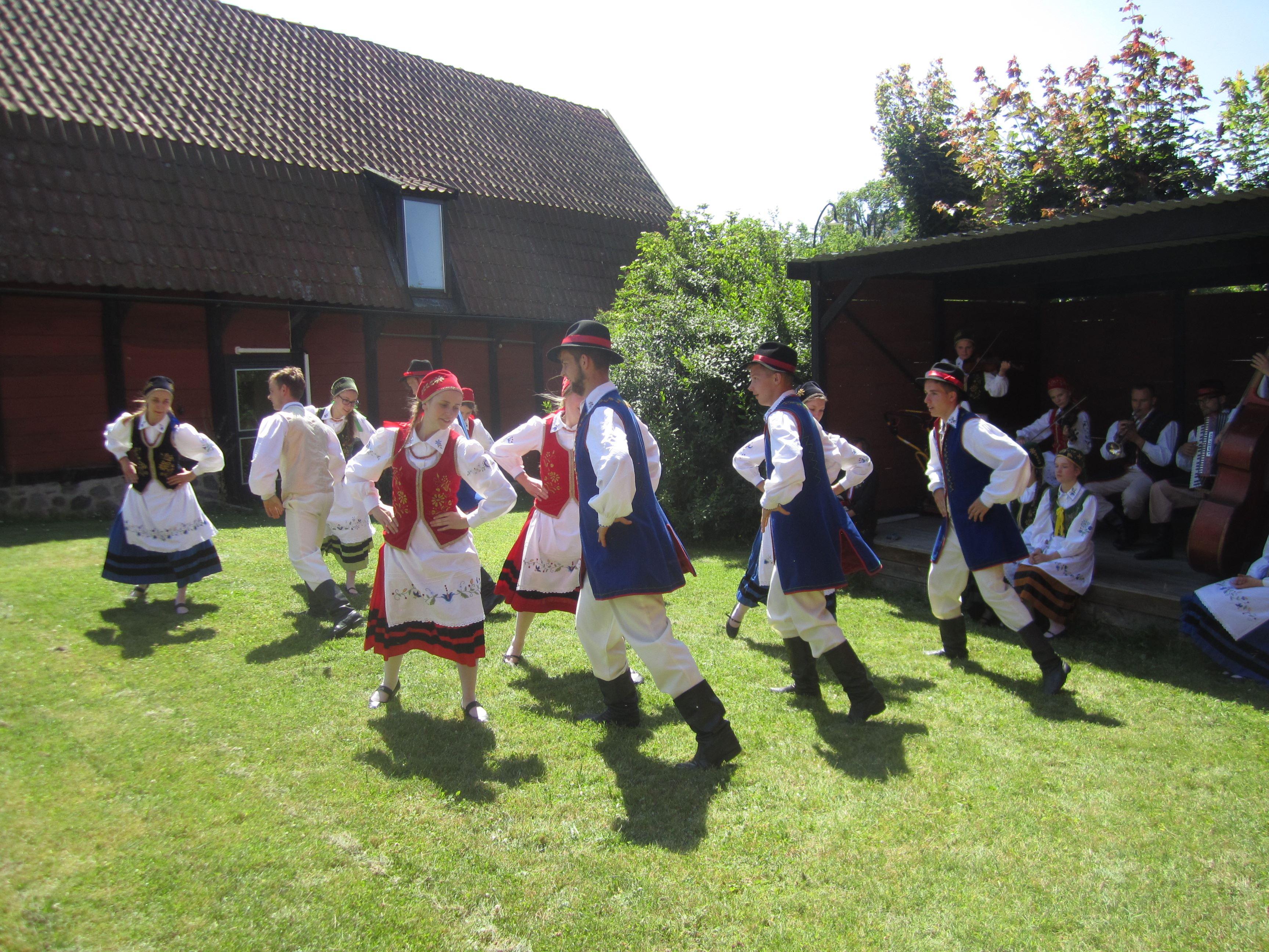 Karin Maltestam, Folkdans från polen