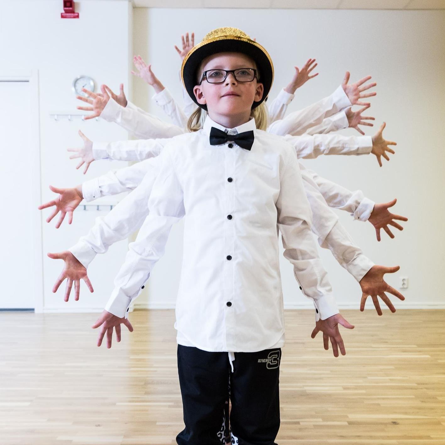 SOMMARLOV - Dans- och teaterläger