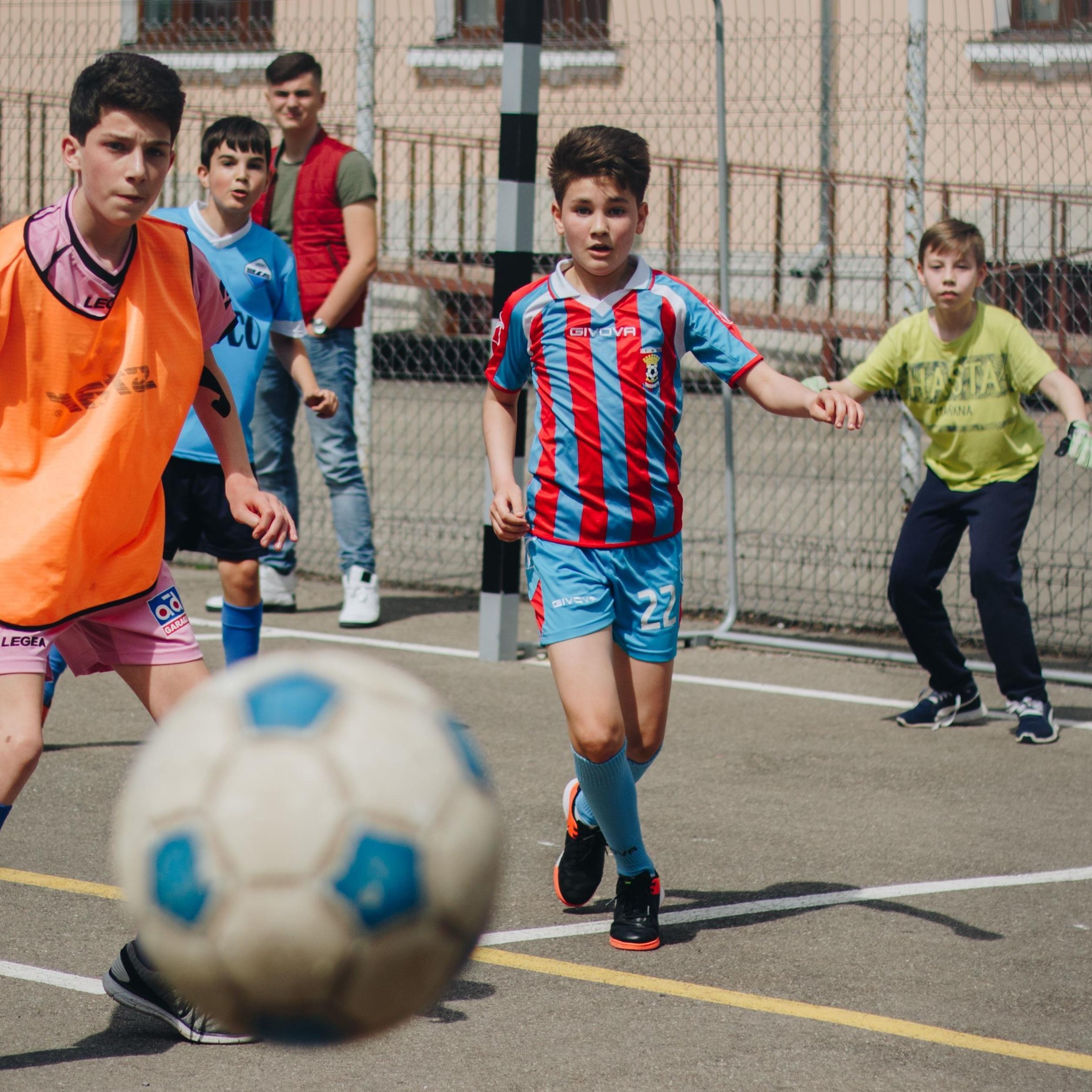 SOMMARLOV - Fotbollsskola för killar 6-12 år