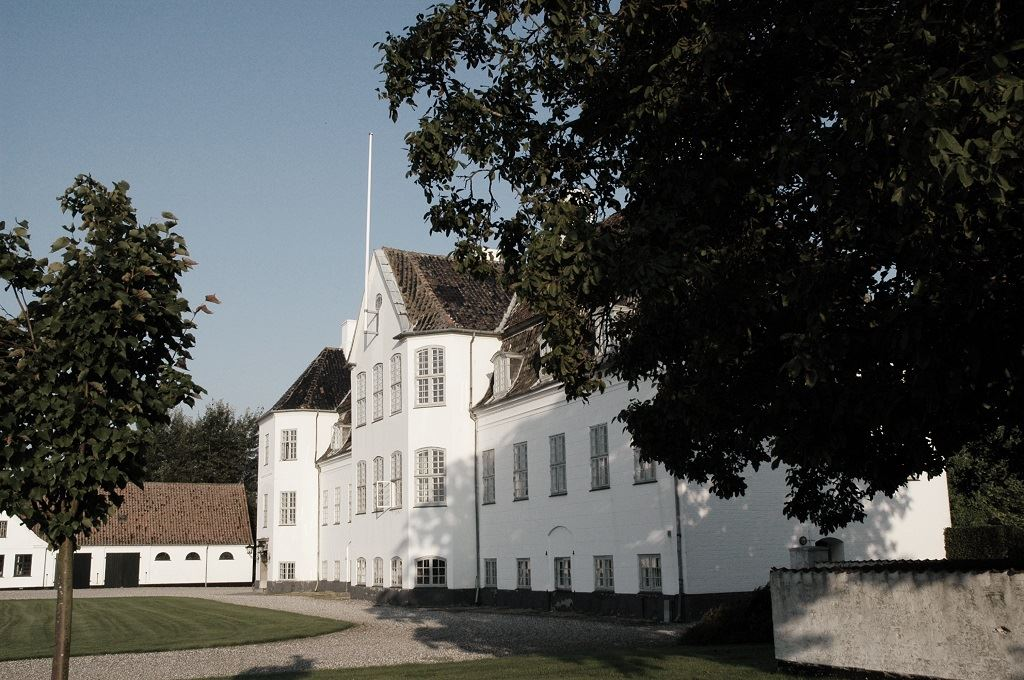 Frederiksdal Estate - Besuchen Sie dass grösste Weingut in Dänemark