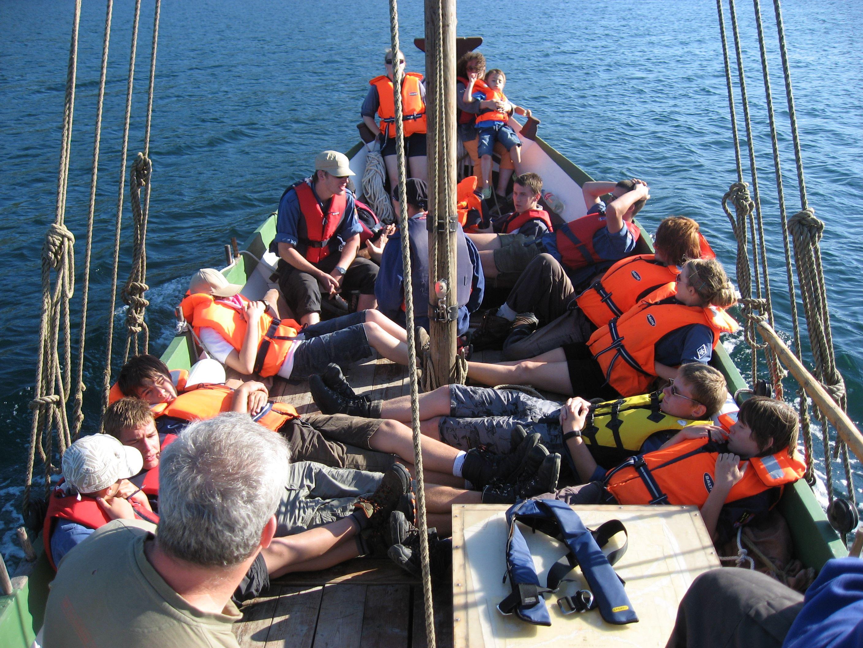 Historisk reise i Nordlandsbåt til båtbygger bygda Reppa