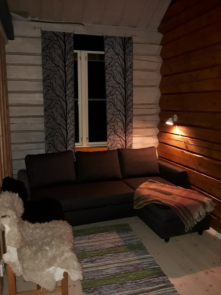Timber cabin with sleeping loft in Umnäs