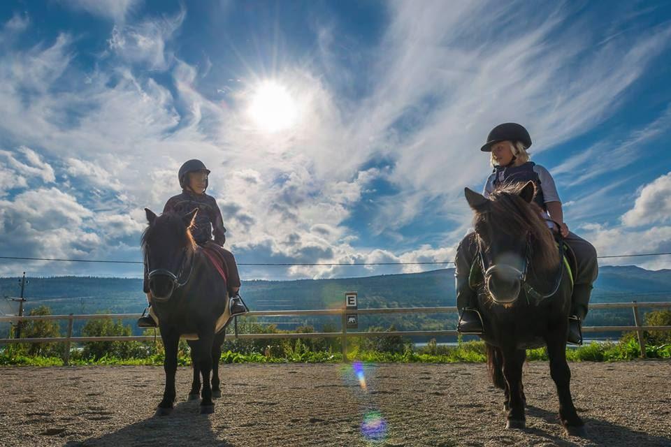 Ponnyridning på Åre Ridskola