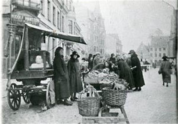 okänd, Torghandel i Ystad 1918