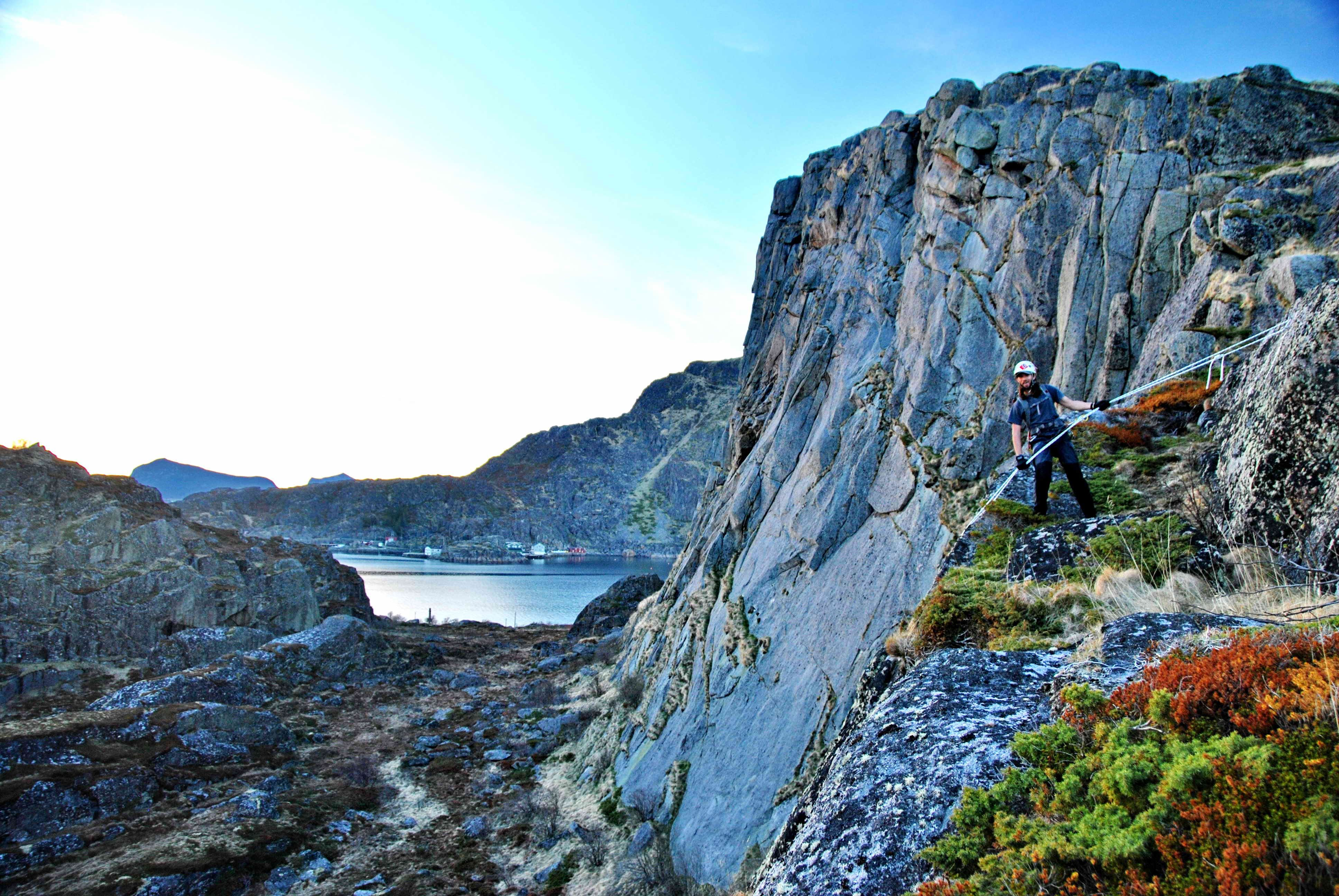 Full Day Trekking with Rappel - Northern Explorer
