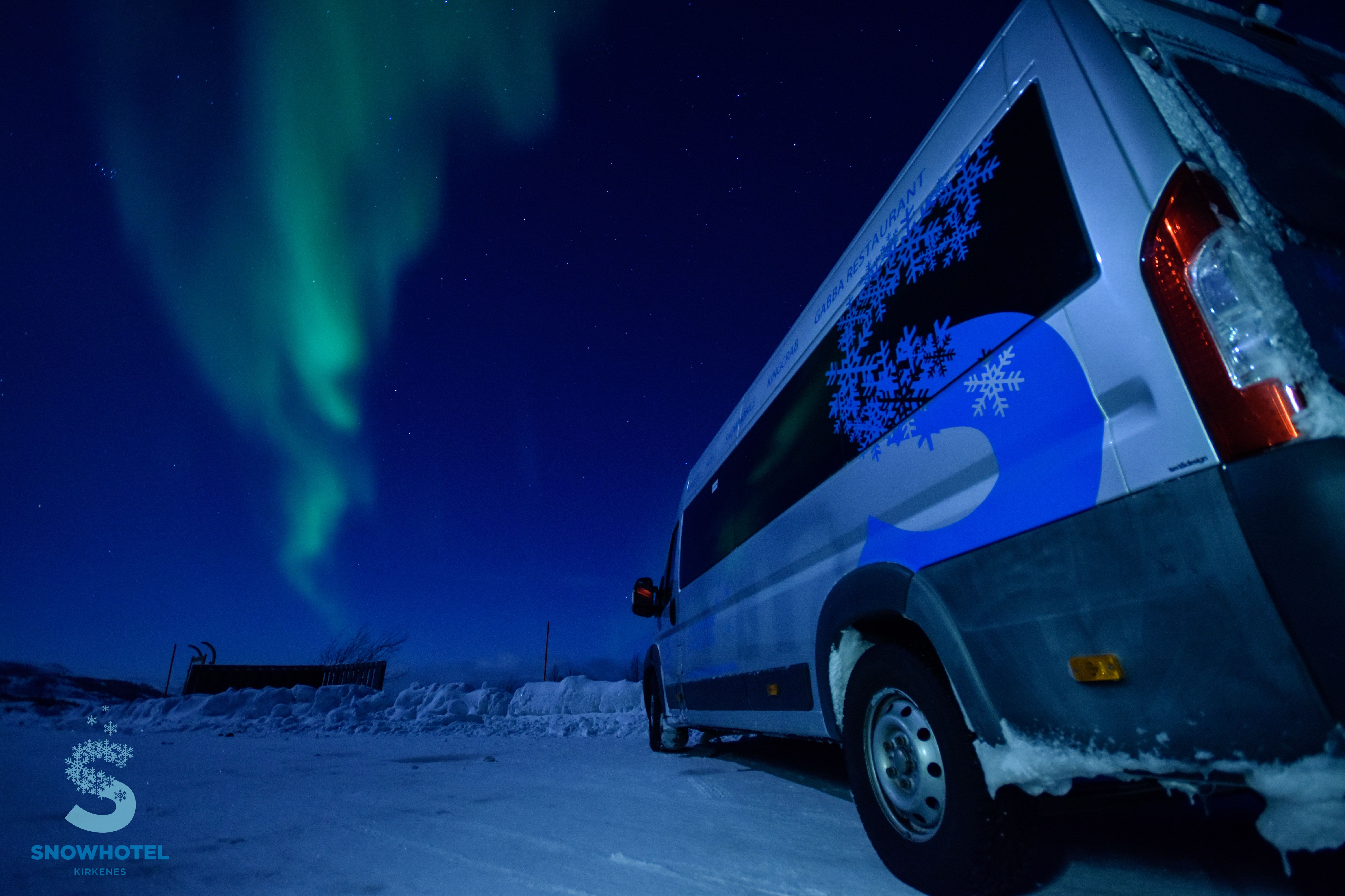 © Snowhotel Kirkenes, SnowHotel Kirkenes - Hunting northern lights with bus