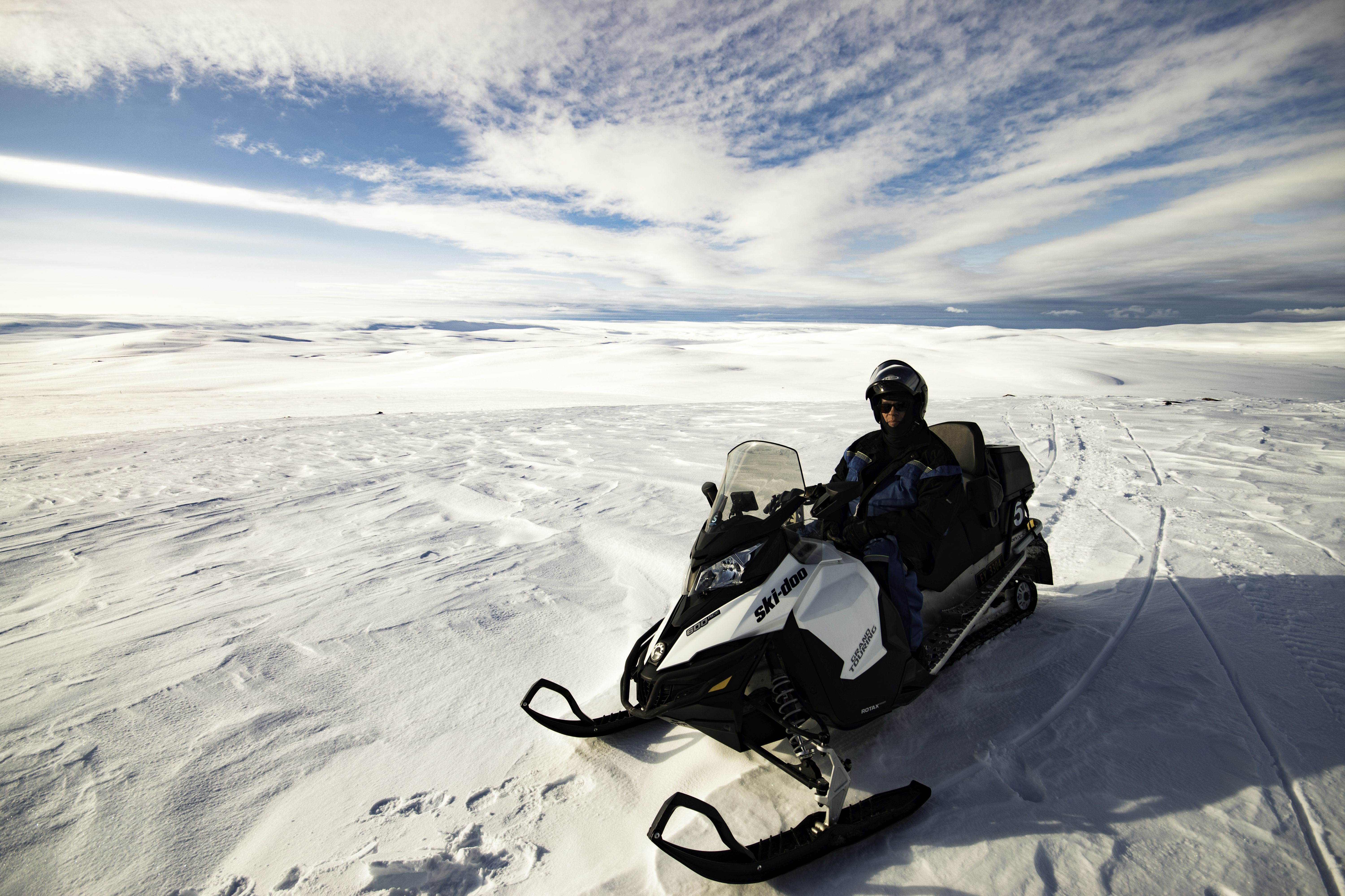 © Snowhotel Kirkenes, Snowhotel Kirkenes - Snowmobilesafari 4 hours