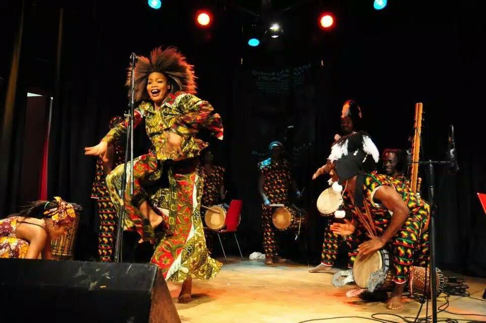 Västafrikanska dans och trumdagar på Stenegård i Järvsö