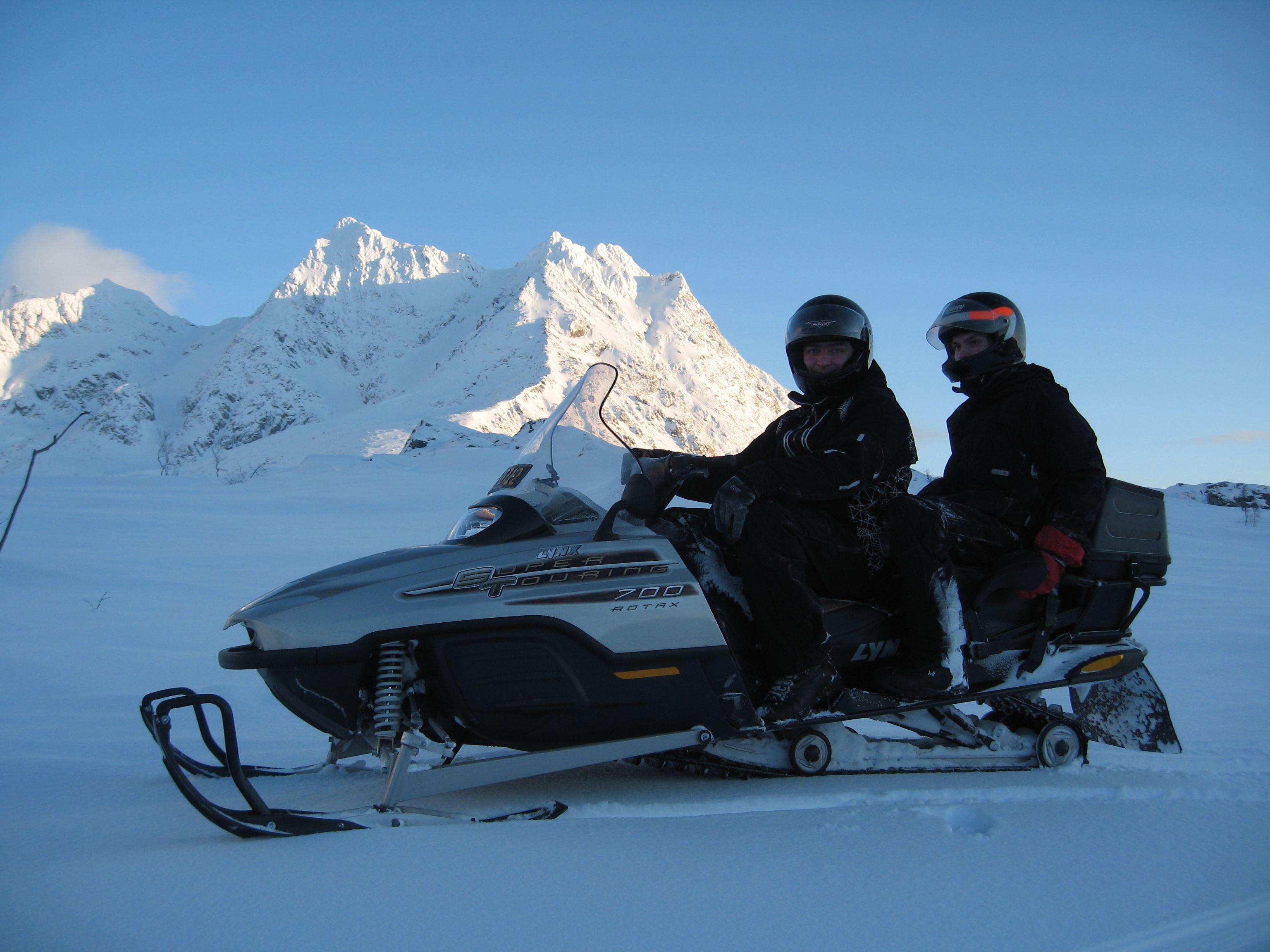 Troll safari på snøscooter