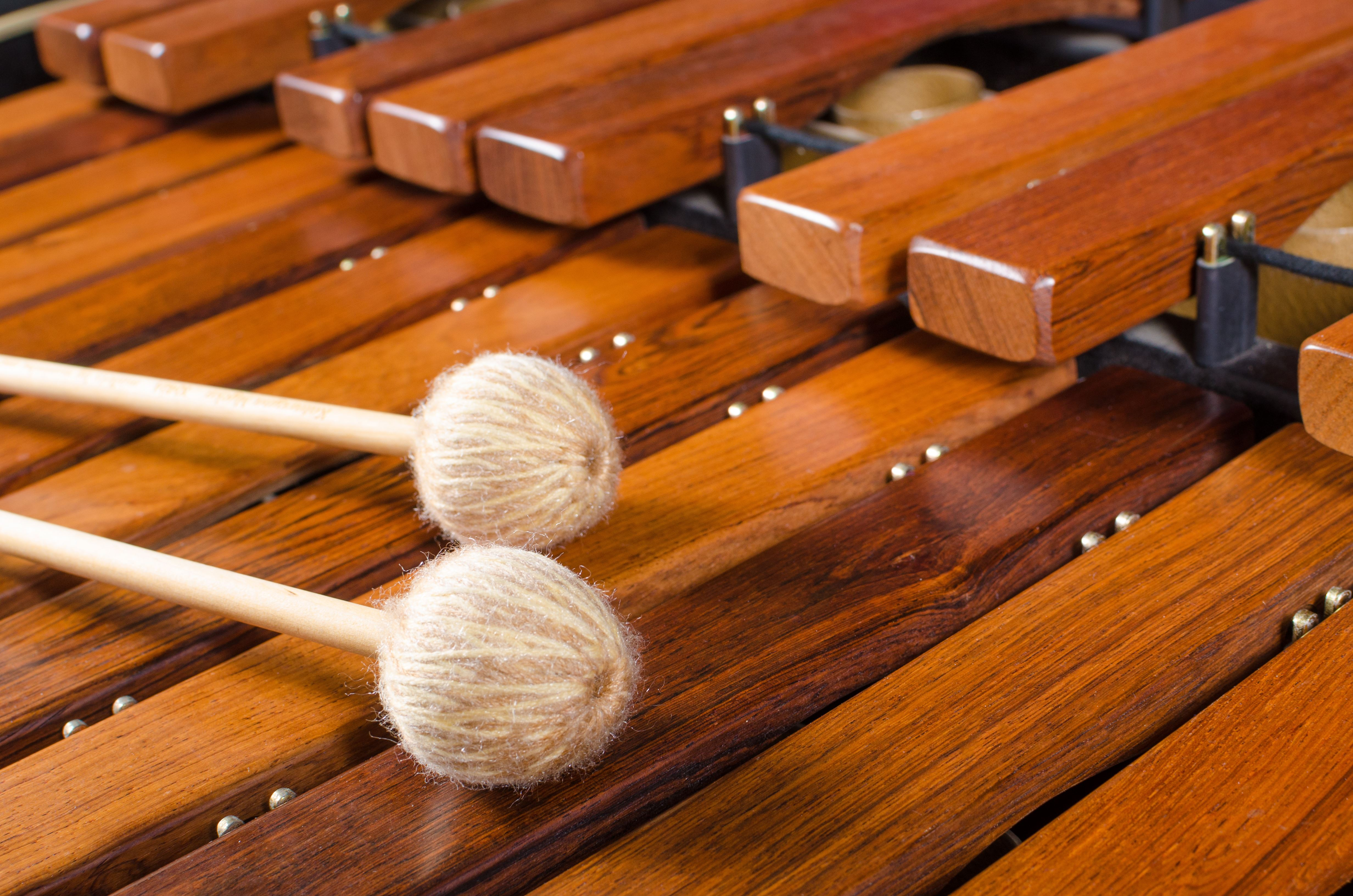 © Shutterstock, Musik i sommarkväll i Rogsta kyrka