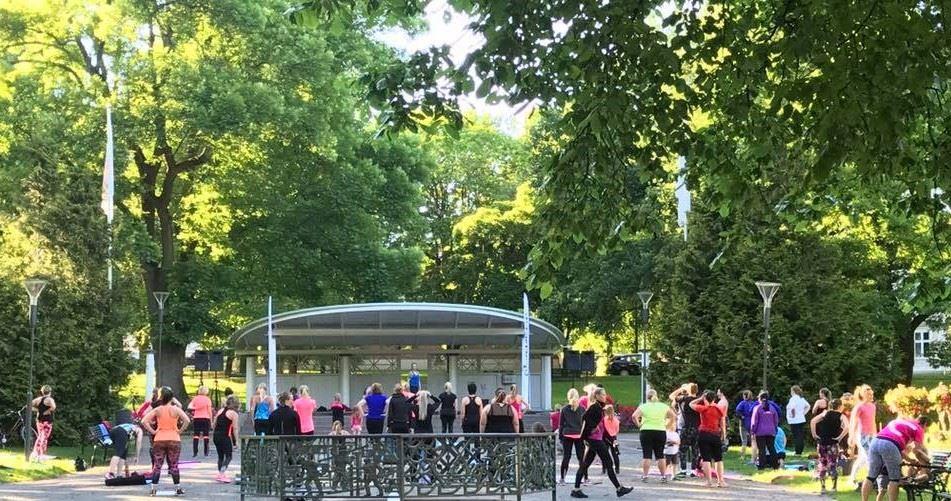 Sportsgym ,  © Sportsgym, Sommarträning i Stadsparken