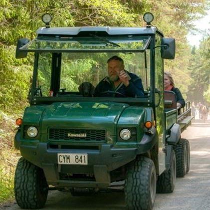 Dagsutflykt till Hasselö med fyrhjuling och vagn (lunch kl 13.30)