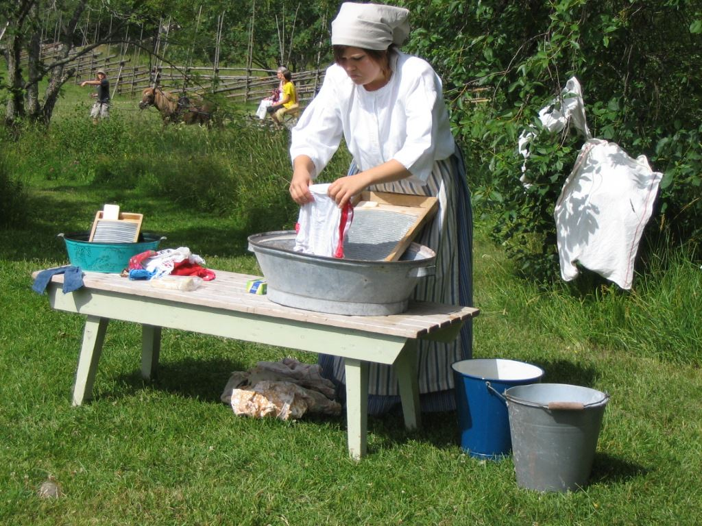Handicraft days in Jan Karlsgården open-air museum