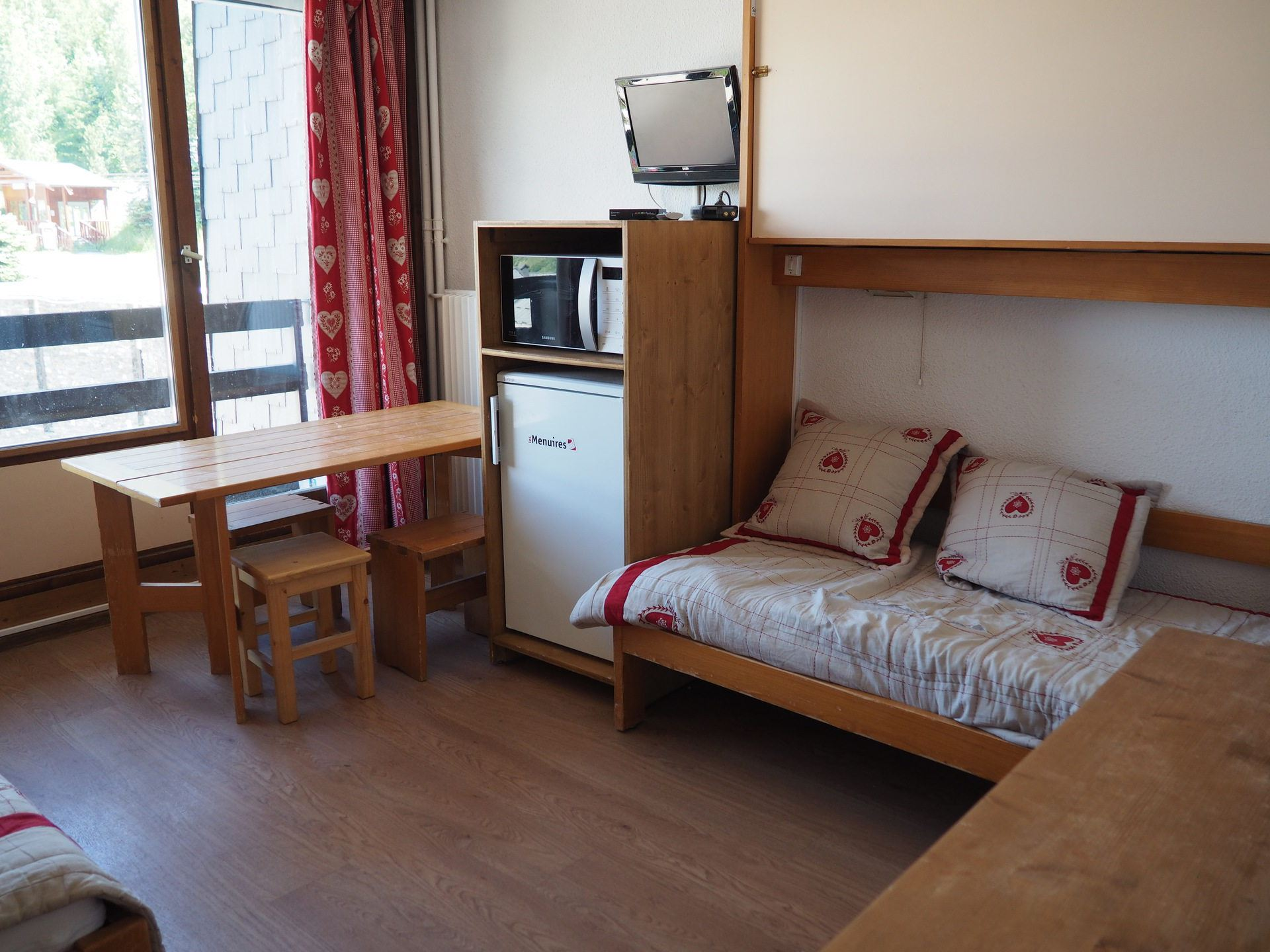 2 Rooms 4 Pers ski-in-ski-out / Chaviere 128