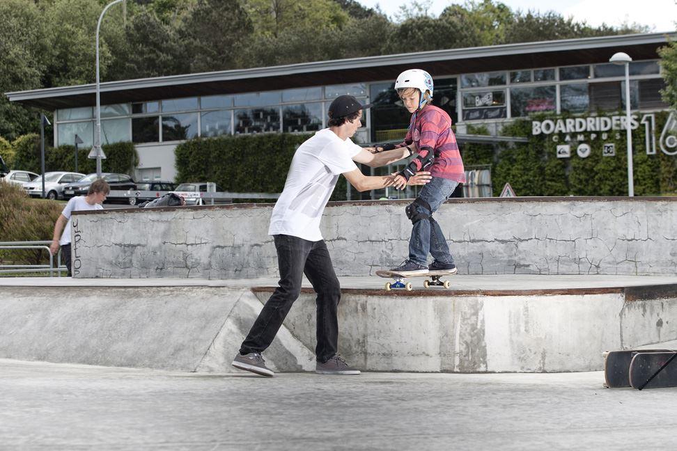 162 Skate School