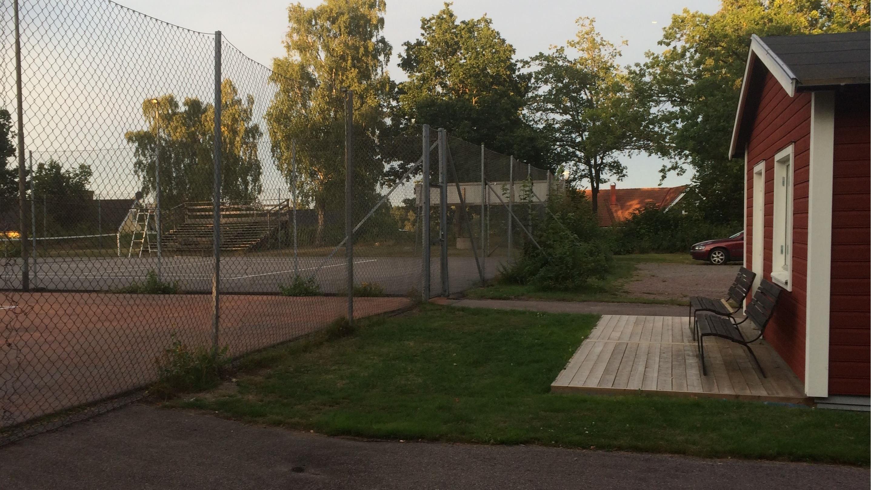 Spela tennis i Smedby!