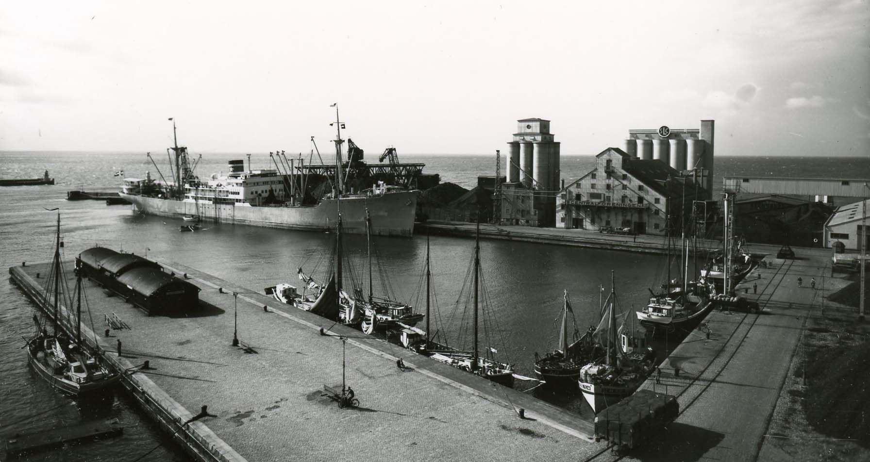 Sjöhistoriska föreningen visar fyren i hamnen
