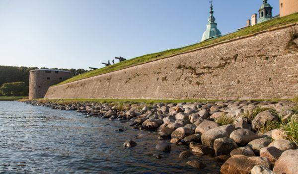 Kalmarkriget – ett våldsamt krig, slottet försvarar sig