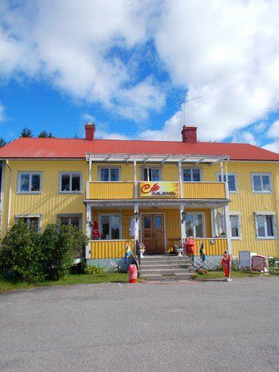Second hand, loppis och lokalproducerat i Harmånger