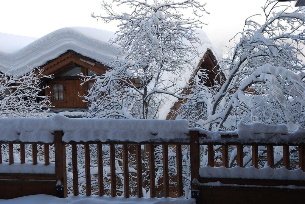 5 pièces 6 personnes skis aux pieds / ROND POINT DES PISTES 219 (montagne de charme)