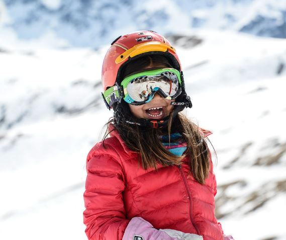 Full day with lunch for children from 4 to 12 years old ski Group lessons – Prosneige
