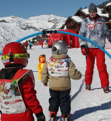 From 3 years : 1st experience of skiing with the Piou Piou Club, 6 days from Sunday to Friday, WITH LUNCH