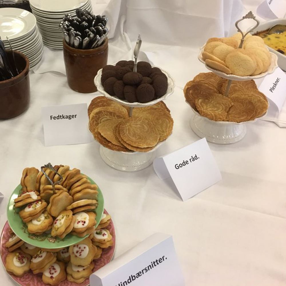 Traditionelle Südtjütlandische Kaffeetaffel und Erzählungen vom Folkehjem