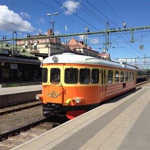 Micke Dunker,  © Järnvägsmuseet, Rälsbussen tar er till Tåghallen