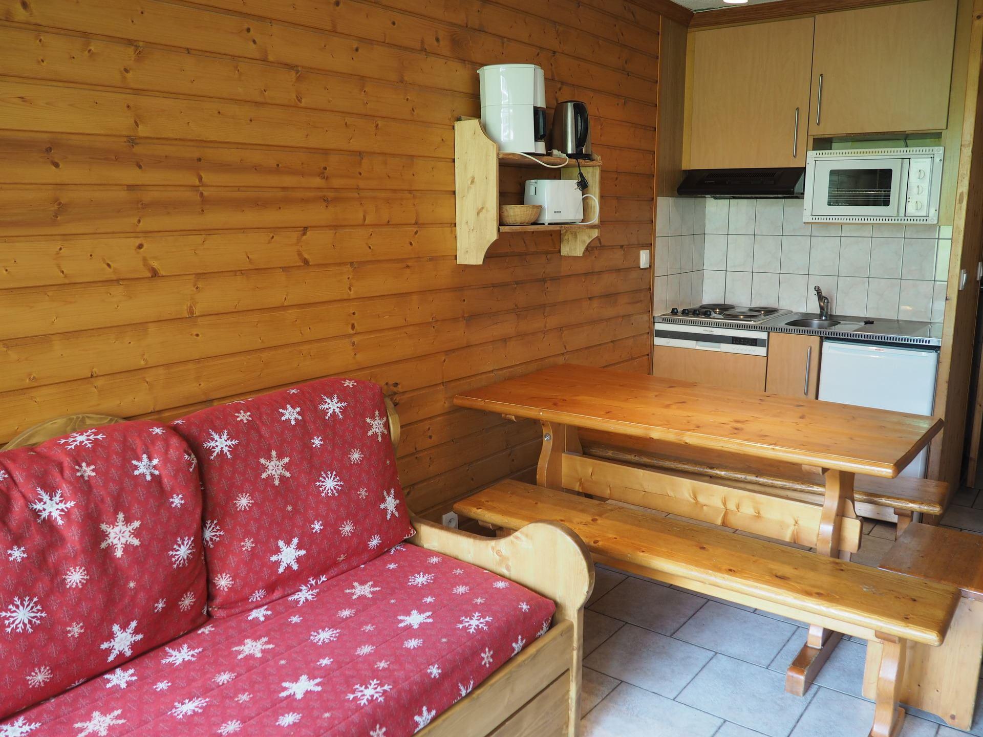 2 Rooms cabin 5 Pers ski-in ski-out / VILLARET 225