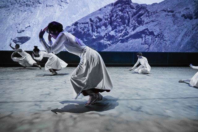 © Margaret Jenkins Dance Company, SKIES CALLING SKIES FALLING