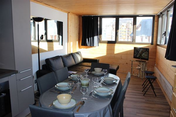 TROIS VALLEES 814 / APPARTEMENT 2 PIECES CABINE 4 PERSONNES - 3 FLOCONS OR - VTI