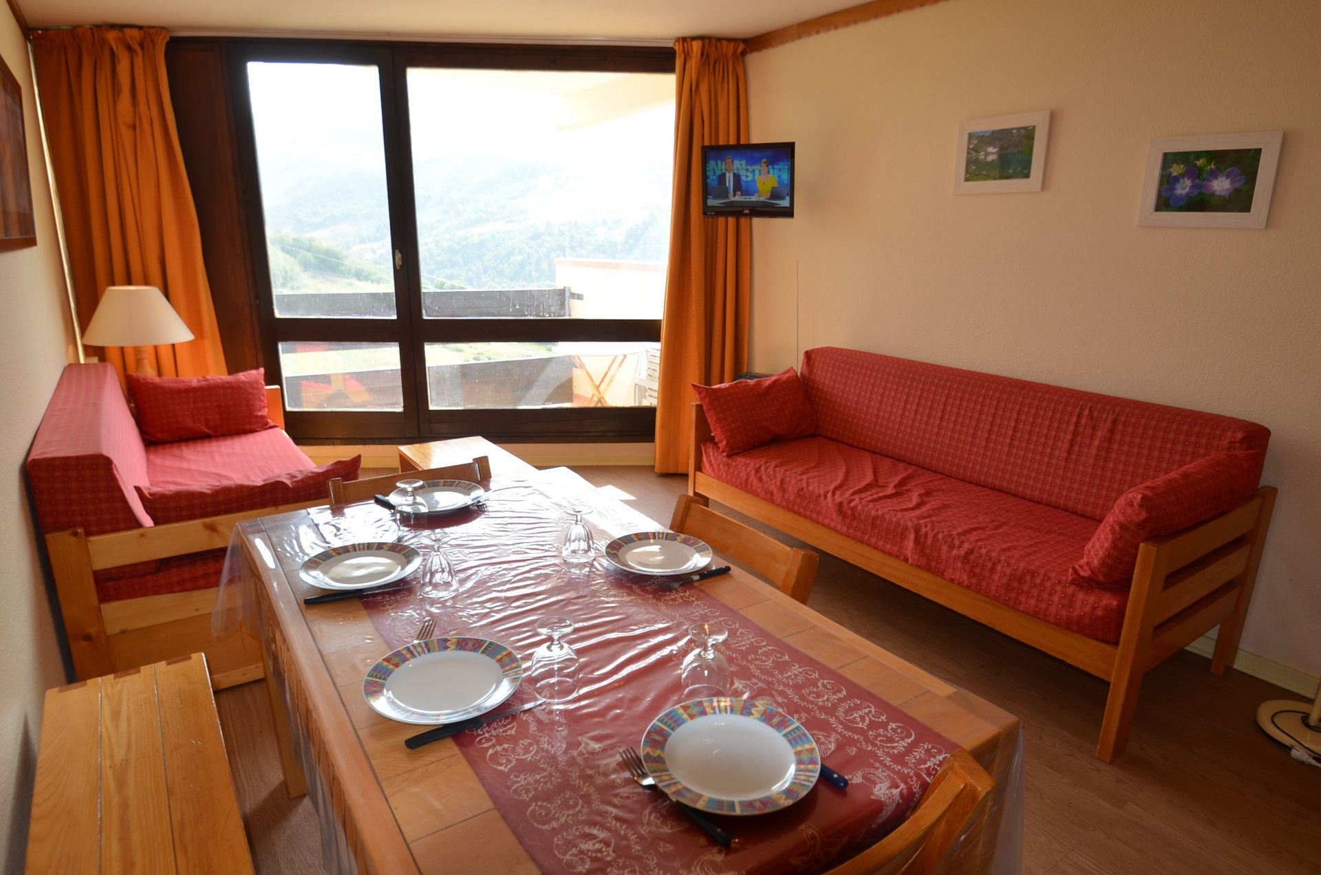 2 Rooms 6 Pers ski-in ski-out / CARON 1013