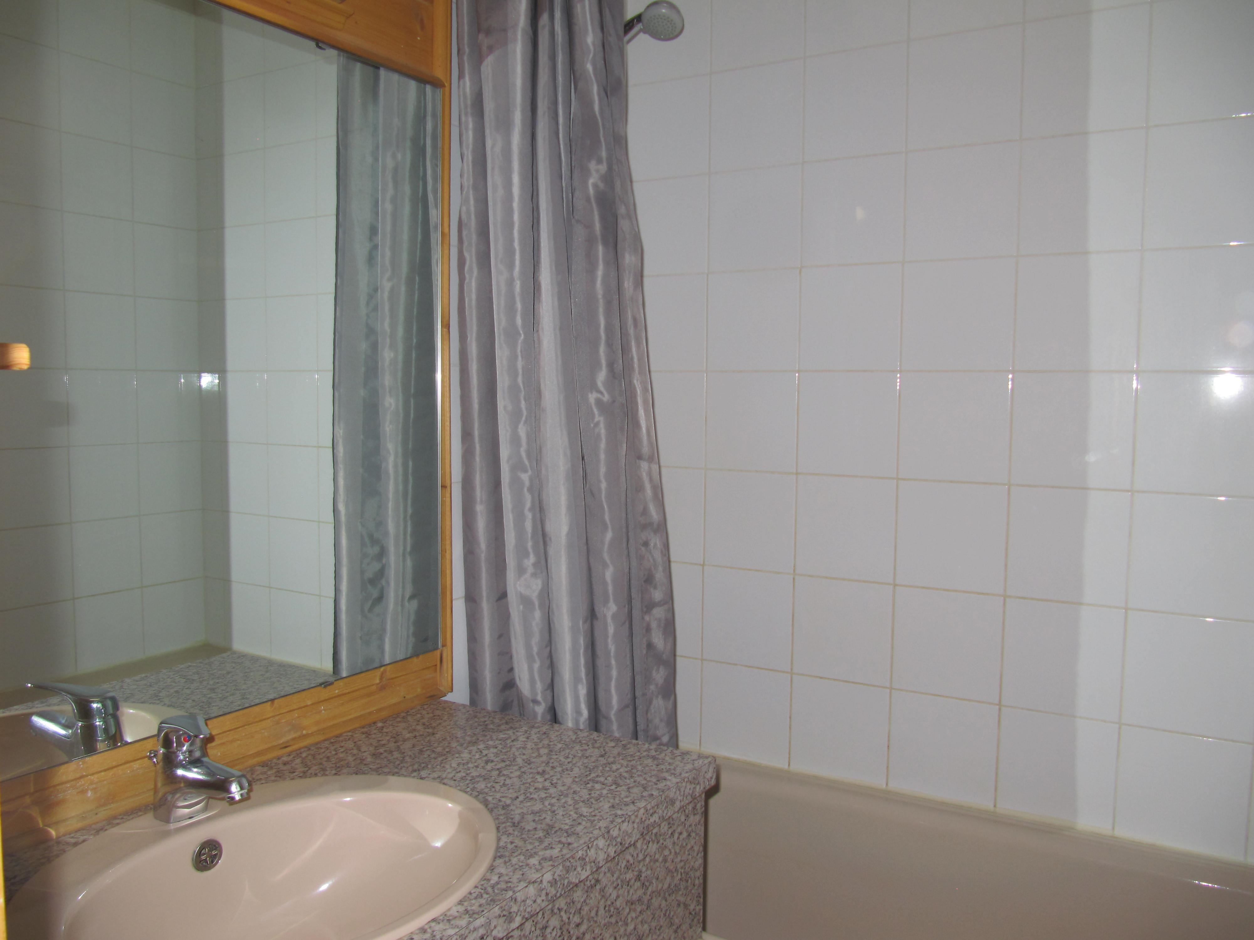 ETERLOUS 20-21 / APARTMENT 5 ROOMS - 8 PERSONS - 3 SILVER SNOWFLAKES - MA CLE IMMO