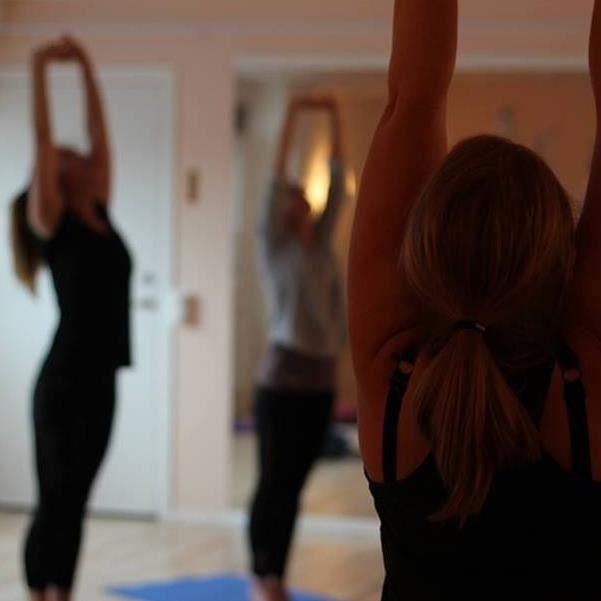 Jesper Brunholm, Grundkurs, yoga och meditation